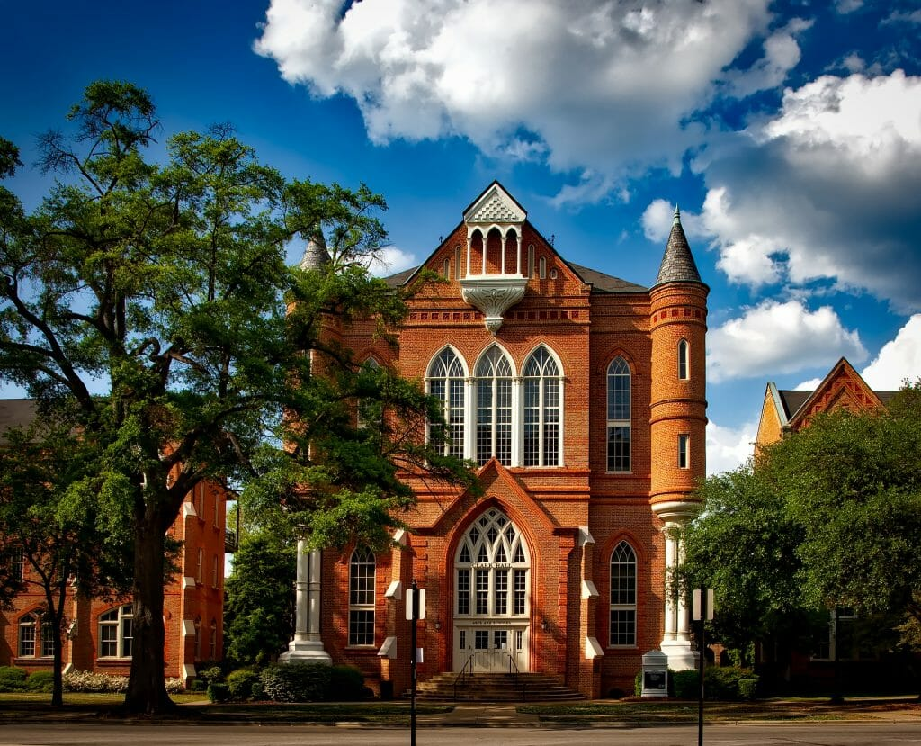Exterior of University of Alabama Tuscaloosa