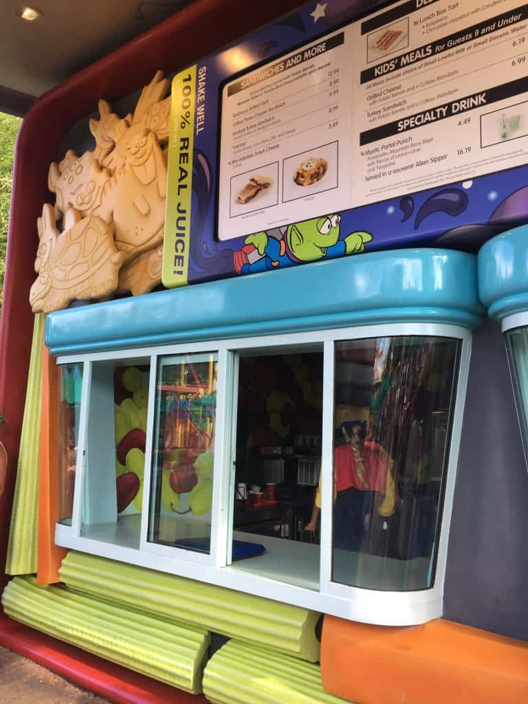 Woody's Lunchbox review menu and kiosk