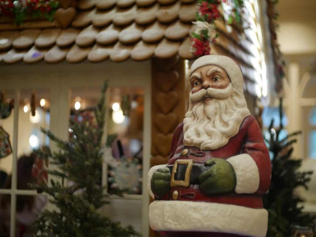 A Santa Claus statue at the Grand Floridian Disney World resort at Christmas