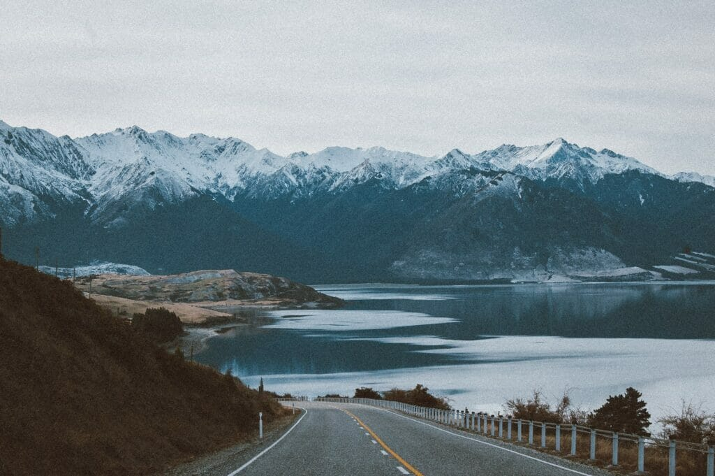 alaska mountains and road