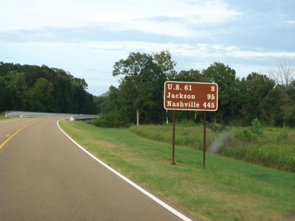 natchez trail sign